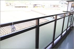 ベランダの広さに合わせて、1.5m間隔で複数個、設置します。